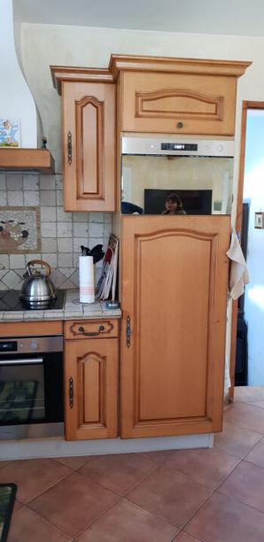 Rénovation d'une cuisine. Couleur blanc satiné. A sèlony  Aix