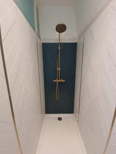 Pose du carrelage, douche et robinetterie à Montesson