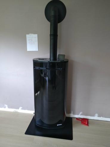 Installation et mise en service d'un poêle à granulés Ungaro fagiolo en ventouse horizontale LAISSAC