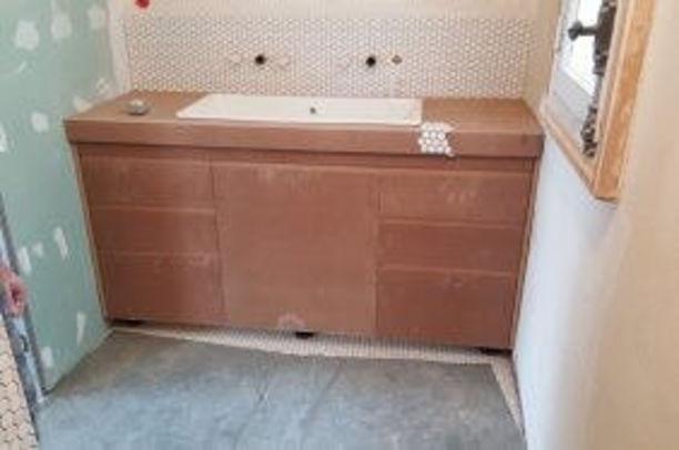 Meuble de salle de bain en cours de réalisation à Paris Paris
