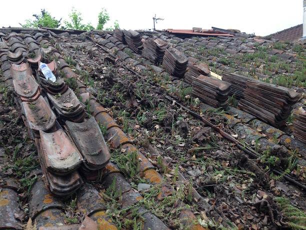 Toiture très endommagée à rénover à Pau Billere